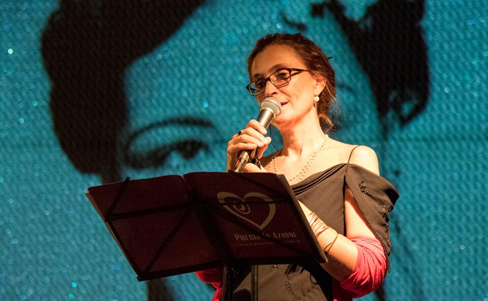 Silvana durante spettacolo